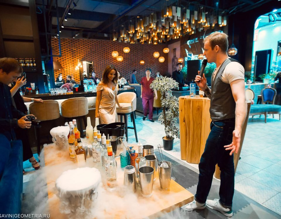 Коктейльная вечеринка в Мистер Чанг 24.08