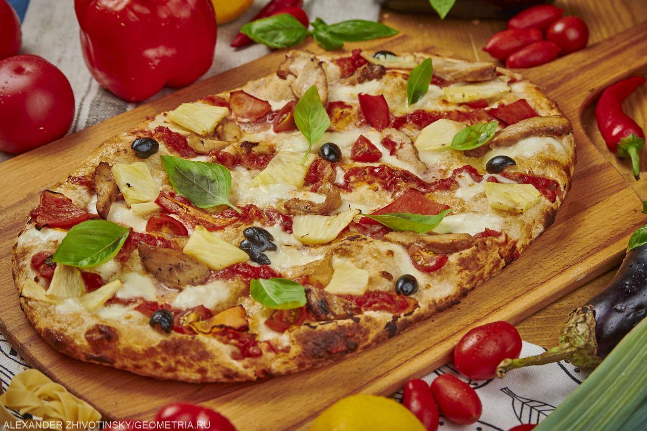 Римская пицца гавайская