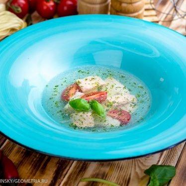 Рыбный суп с лососем и судаком