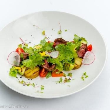 Гриль-салат с ростбифом