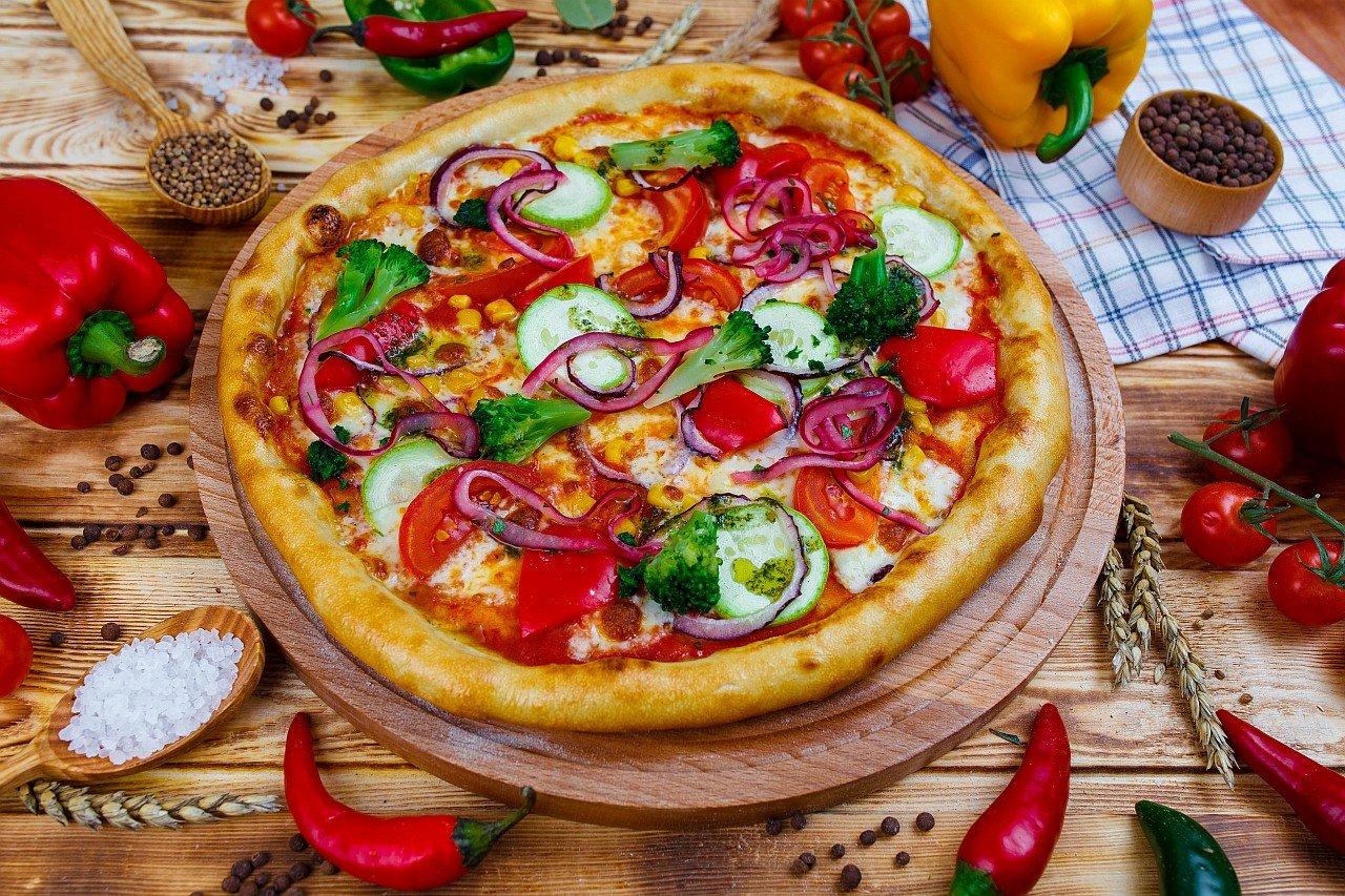 """Пицца """"Овощная"""" с брокколи"""