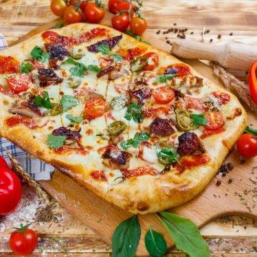 Римская пицца с уткой по-пекински