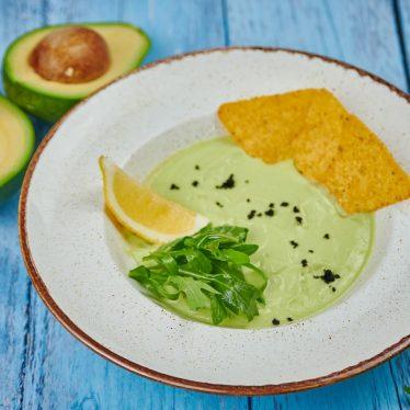 Суп из авокадо на кокосовом молоке