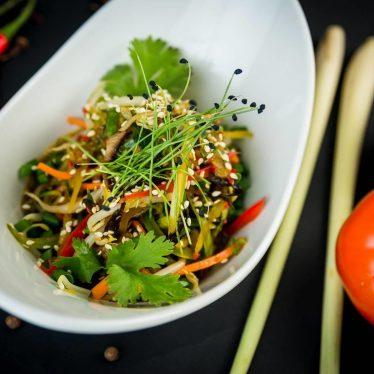 Сочный огурец салат