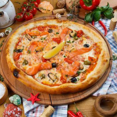Пицца с морепродуктами.
