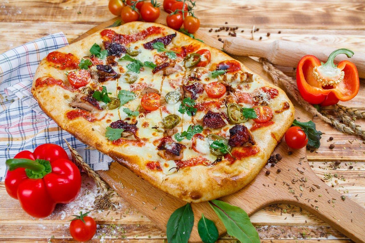 Римская пицца  утка  по-пекински 35см.