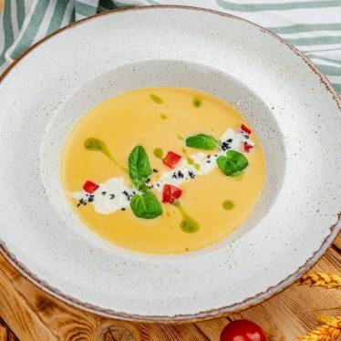 Крем-суп овощной с сыром страчателла