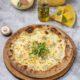 Пицца 5 сыров на томатном соусе